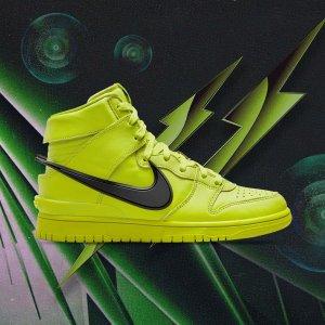7月30日发售 定价€179.99Nike Dunk High x AMBUSH 联名新色「荧光绿」闪瞎眼