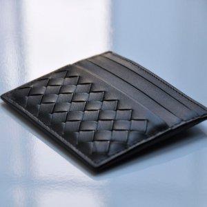 定价优势 变相8.5折上新:Bottega Veneta 经典编织卡包 多色可选