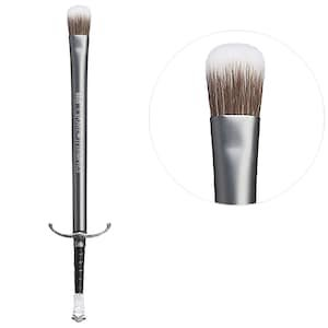 Longclaw Eyeshadow Brush - Game Of Thrones Collection - Urban Decay | Sephora