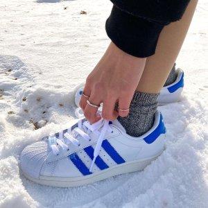 定价优势+折扣区5折起adidas 大童款好价大促 Superstar、Nite Jogger系列限时热卖