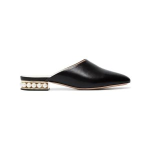 珍珠跟穆勒鞋