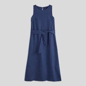 藏青色无袖连衣裙