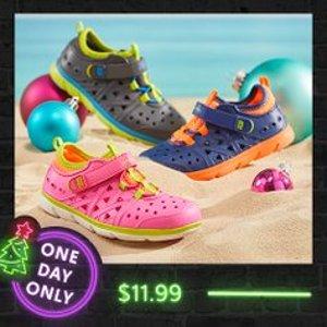 全部$11.99+包邮史低价:Stride Rite 儿童洞洞鞋特卖 快来囤夏季戏水鞋