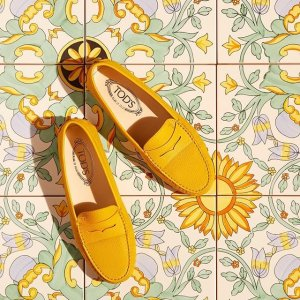7.5折 €298收樱花粉乐福鞋Tod's 夏季大促 收颜值与舒适度并存的乐福鞋 、新款马鞍包
