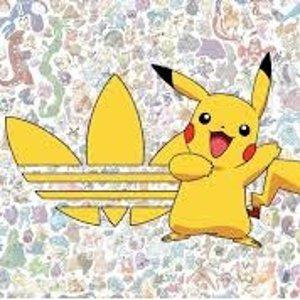数量有限 先到先得Adidas X Pokemon联名发售 宝可梦小白鞋、主题T恤都有