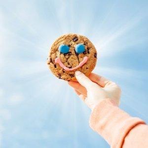 只需$1Tim Hortons 网红笑脸饼干回归