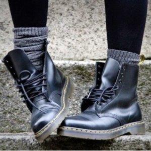 券后史低¥839限今天:Dr. Martens 22649001 8孔马丁靴 腿长利器