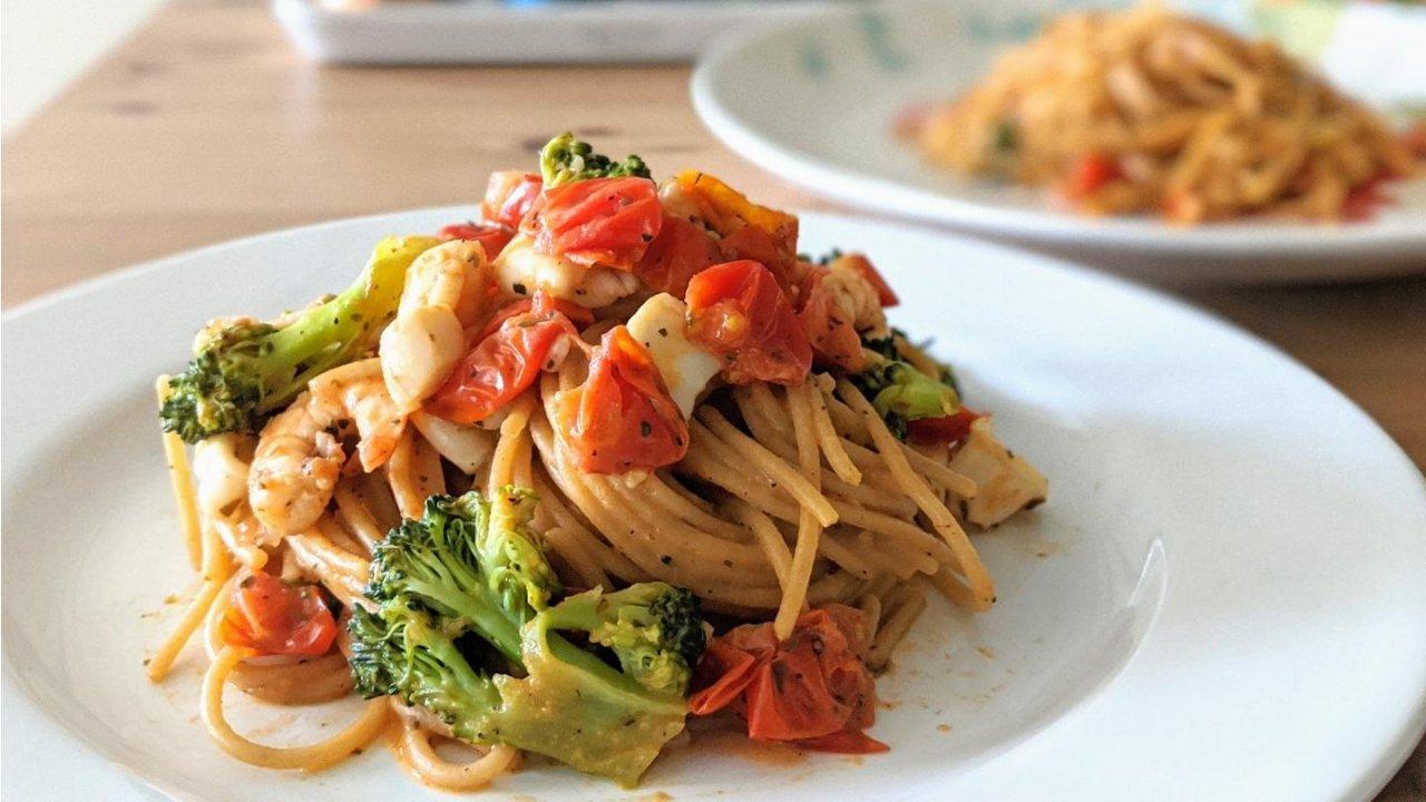 美食DIY|营养简单又快手的红酱海鲜起士意面(消耗囤粮超好用)