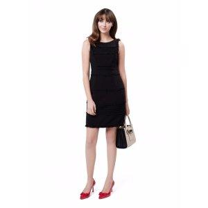 黑色紧身连衣裙