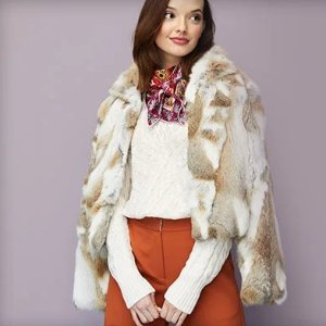 Extra 55% OffSelect Sweater, Coats and Accessories @ Neiman Marcus Last Call