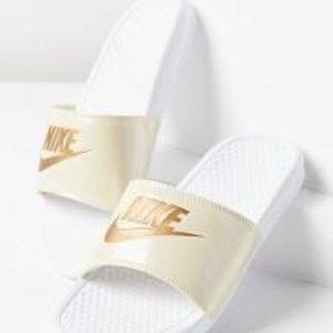 额外7.5折+包邮Nike 热销时尚拖鞋折上折,特价区超多新款登录
