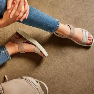 Extra 40% Off Plus Free shippingWomen Shoes and Accessories Sale @ Ecco.com