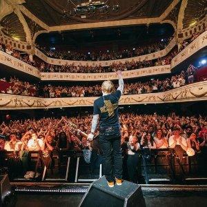 票价€49起 点我查询票务!Ed Sheeran 黄老板 2022年巴黎演唱会预售 感受音乐的魅力