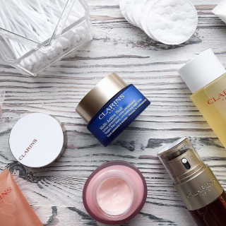Up to 51% Off + Extra 20% OffClarins Sale @ unineed.com