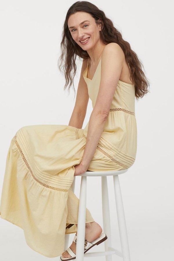 淡黄V领长裙