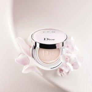 7折优惠上新:Dior 梦幻美肌气垫粉饼 SPF50 #025/030 热卖中