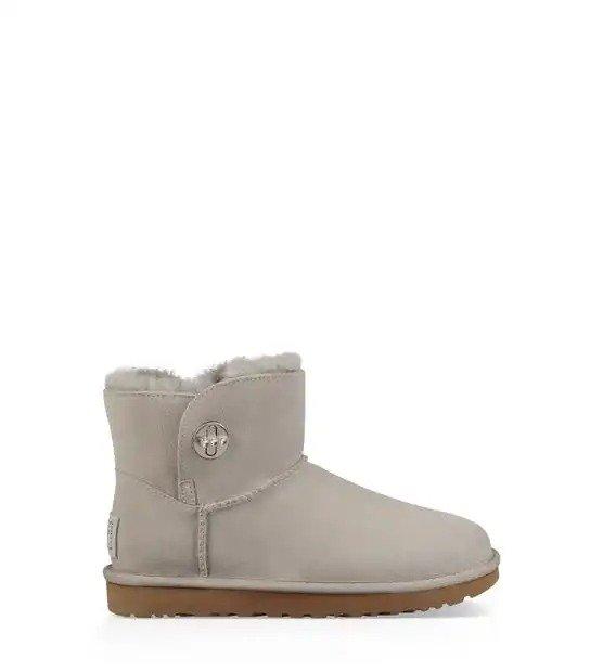 纽扣雪地靴