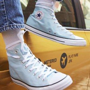 低至5折 四季均可穿的百搭鞋Converse 精选帆布鞋、T恤限时特卖