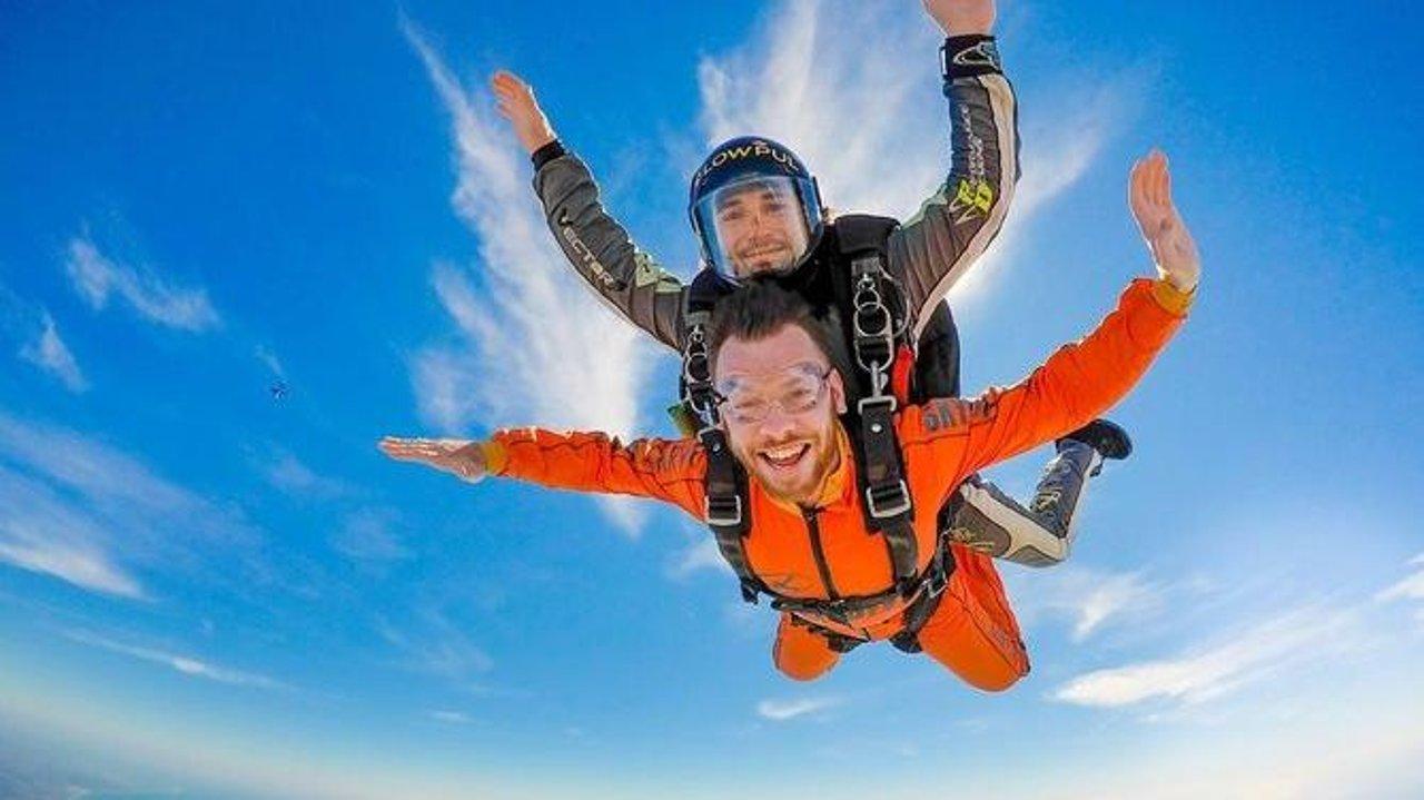 加拿大跳伞攻略 | 安全吗?需要考证吗?去哪儿跳?