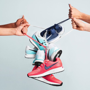 低至5折+包邮Nike官网 特价区运动鞋服上新 粉色Air Max1 $77.97
