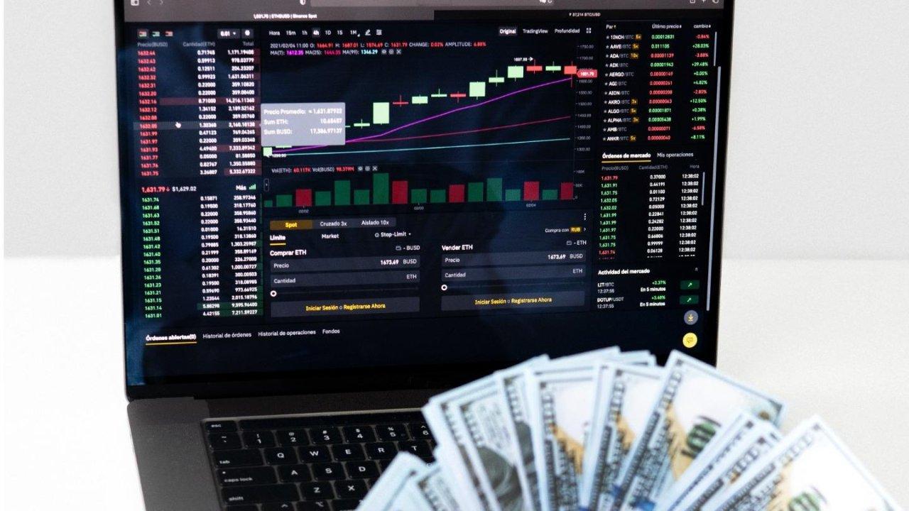 明明白白买股票----实操案例解析选股的三大原则,变身炒股达人