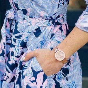 6.4折 $65.54(原价$101.99)手慢无:Anne Klein 镶钻玫瑰金时装女表 高颜值单品