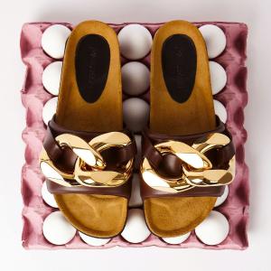4.5折起 收爆款粗金链条凉鞋JW Anderson 玩趣奢牌 Loewe设计师个人品牌 帽子包仅$394