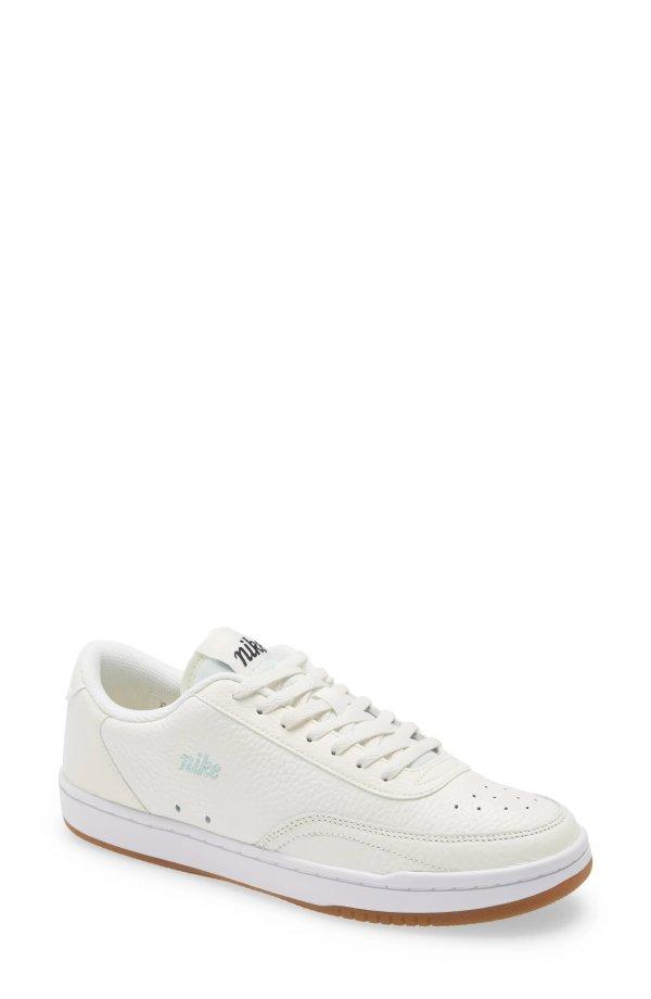 复古小白鞋