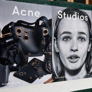 2.5折起+新用户额外8.5折Acne Studios 宝藏区惊喜大促,经典款紧身牛仔裤€54起