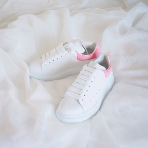 【明星同款】McQueen小白鞋 价值$575