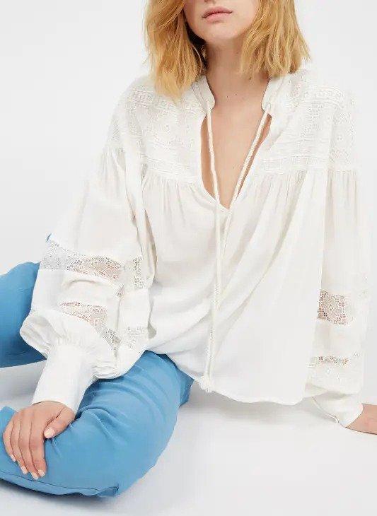 白色蕾丝上衣