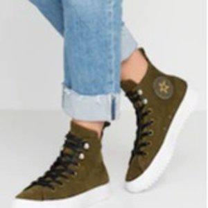 5折 €45(原价€89)Converse Hiker系列热卖 帆布皮革拼接高筒鞋 防水保暖好看
