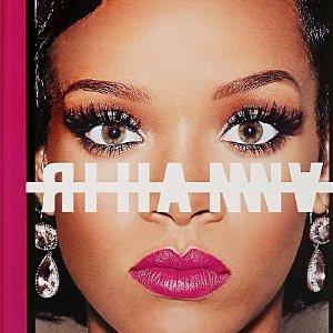 幸运鹅可以得到签名版 来试试吗RIHANNA 自传开售 靠近蕾哈娜 走进蕾哈娜的世界
