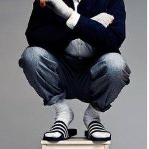 $18起(原价$35)adidas Adilette 三条杠经典男士拖鞋 超舒适