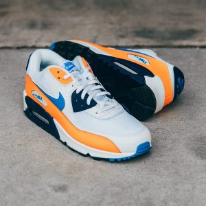 Up to 50% Off + Free ShippingDTLR VILLA Sports Footwear on Sale