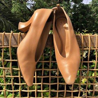 最高立减$300  收复古中跟鞋BV 极简风美鞋热卖 引领复古极简浪潮
