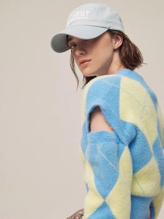 [TC21AWACC02BL] 设计感菱格毛衣