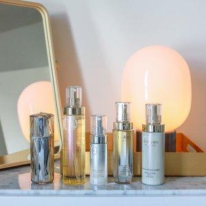 10% OffClé de Peau Beauté Beauty purchase @ Saks Fifth Avenue