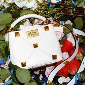 Up to 60% OffMytheresa Designers Handbags Sale