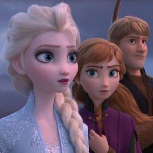 看预告片 买周边预告:《冰雪奇缘2》11月22日起全英上映 寻找魔力起缘
