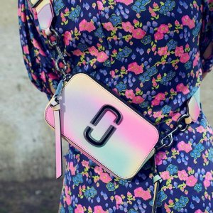 送百搭肩带(价值$85)独家:Marc Jacobs官网 人气相机包热卖 新配色更美