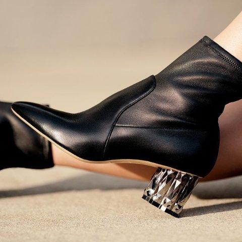 Camelia 靴子