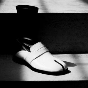 3折起 £195收经典款卫衣Maison Margiela 新品折扣区上新 经典分趾鞋靴也参加