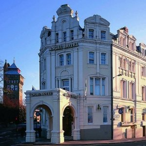 3分钟步行至城堡卡迪夫Cardiff天使酒店促销 £89含早晚餐
