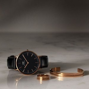Extra 10% offSaks OFF 5TH Daniel Wellington Watches Sale