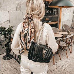 新色上市 与CHANEL共用同一厂商Atelier V1 系列美包热卖 新鲜时尚小众牌
