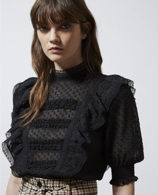 黑色蕾丝上衣