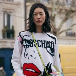 From $80FW18 CAPSULE COLLECTION @ MOSCHINO