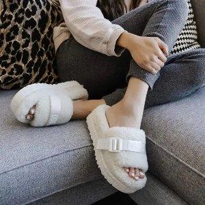 官网折后售价$106.25UGG 绒毛拖鞋