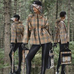 Burberry国内价¥8600,变相5.2折斗篷外套